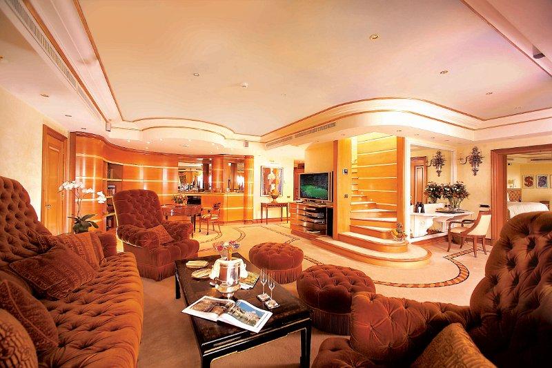 penthouse_sofas